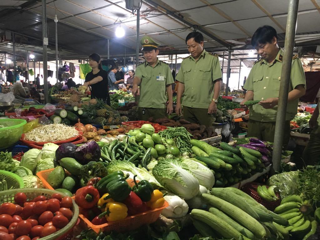 Cục QLTT tỉnh Hà Tĩnh chủ động trong công tác phòng chống lụt bão, đảm bảo bình ổn thị trường