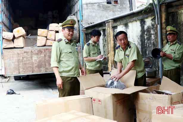 """Cục QLTT tỉnh Hà Tĩnh: Bắt xe tải chở lượng lớn điều hòa, quạt điện """"second hand"""" từ Nam ra Bắc"""